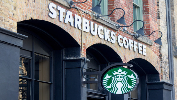 Starbucks-How-to-Respond-to-a-Crisis-Colin-Shaw-Featured-Image